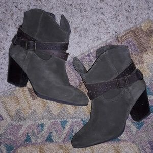 Diba Olive green suede boots